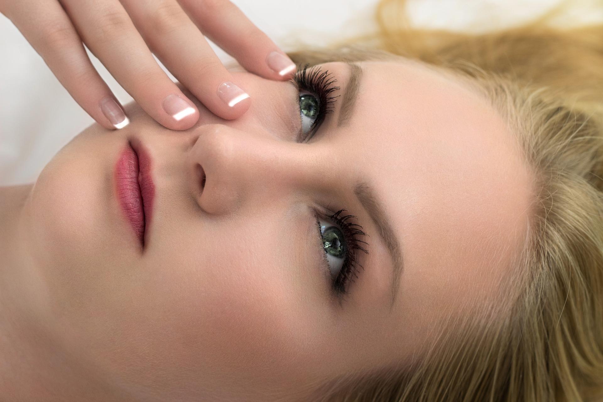 cosmetics-4050088_1920